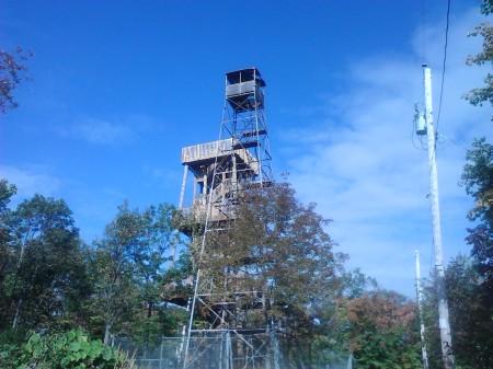 Mont_Morissette_towers